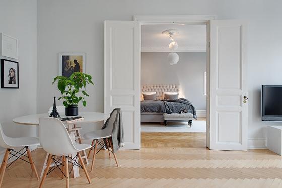 Elegancia en blanco y gris kenay home for Comedor gris y blanco