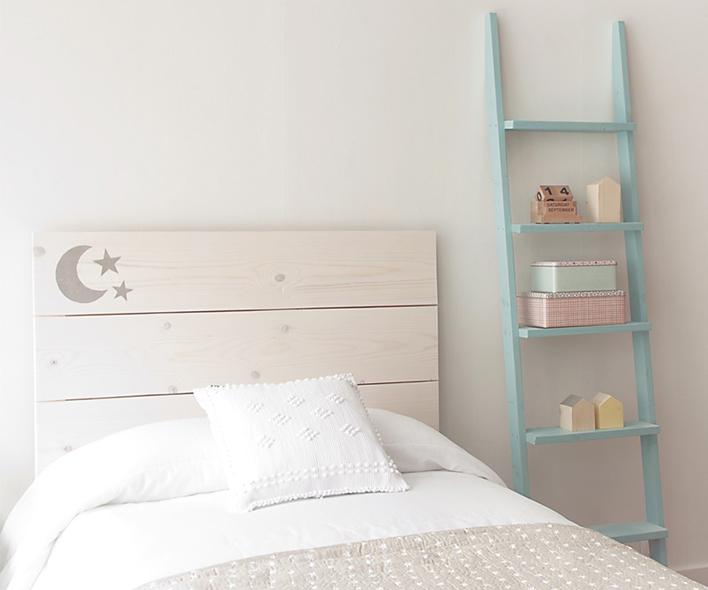 Ideas para organizar y ahorrar espacio en casa kenay home - Estanteria escalera casa ...