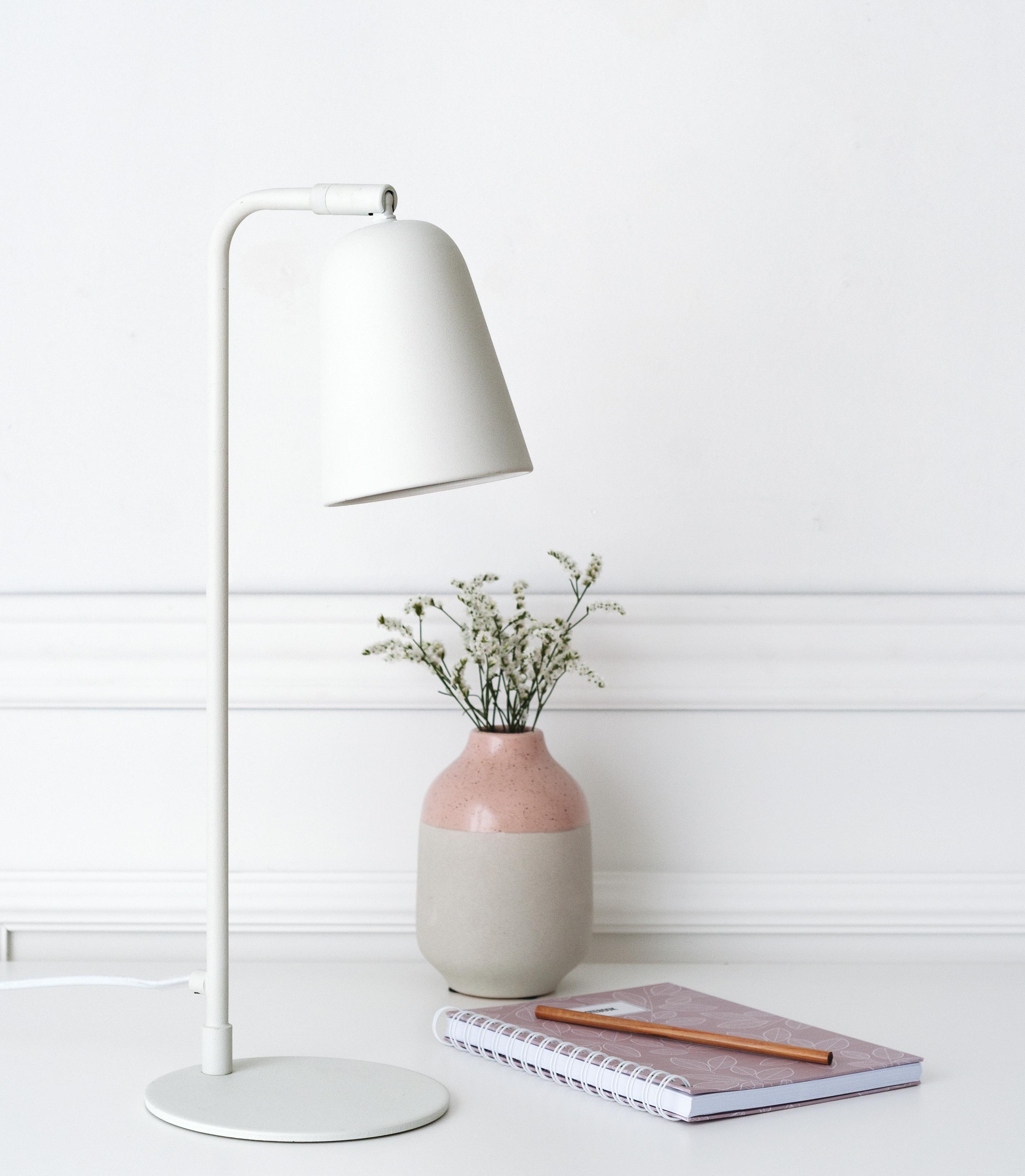 KLL-1069BL Salom lámpara de mesa blanca 02