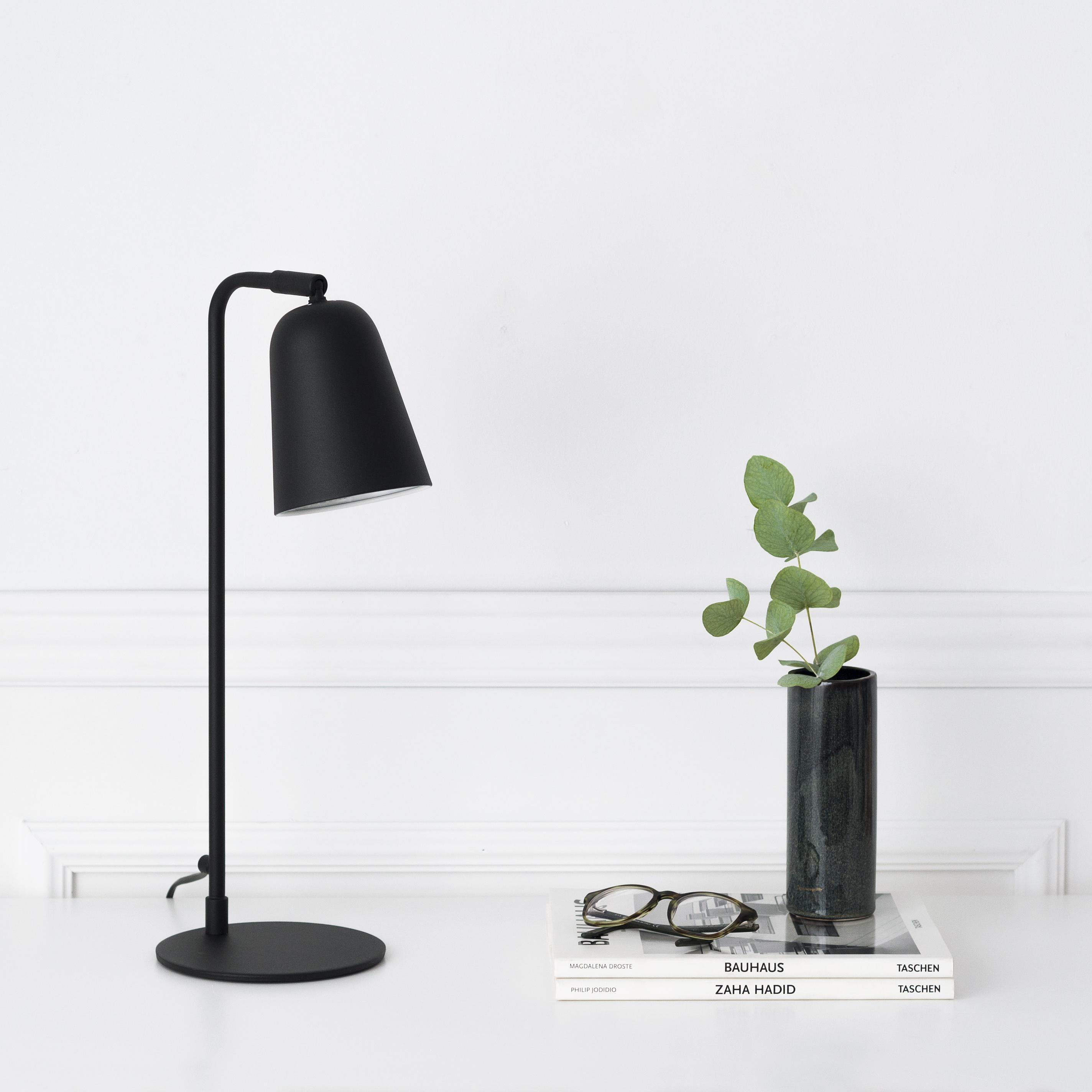 KLL-1070NE Salom lámpara de mesa negra 01