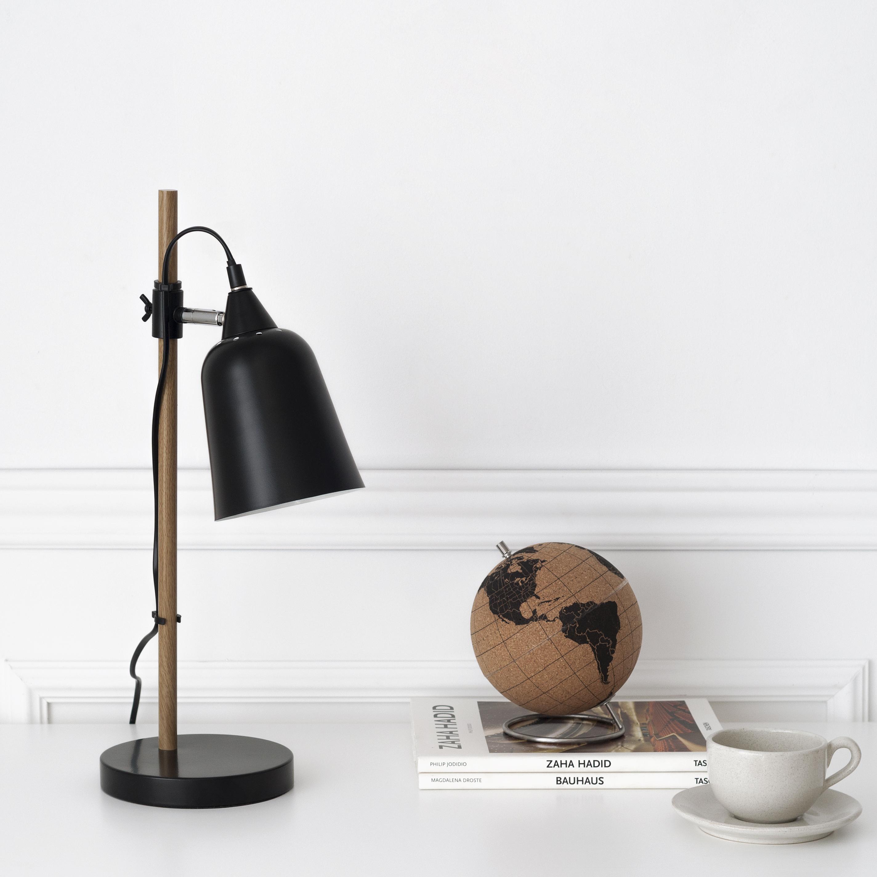 KP-1263NE Crom lámpara de mesa negra 01