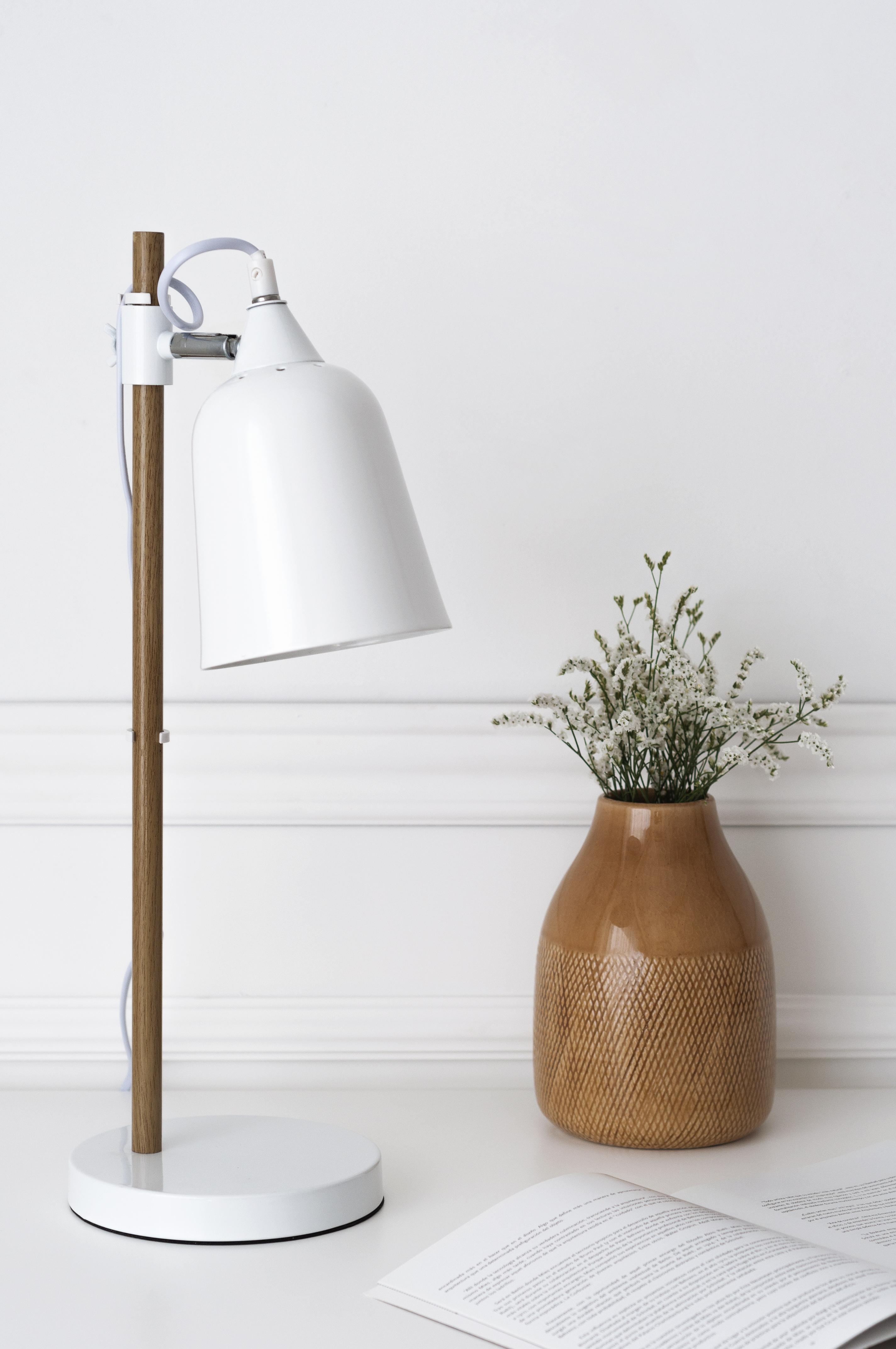 KP-1264BL Crom lámpara de mesa blanca 02